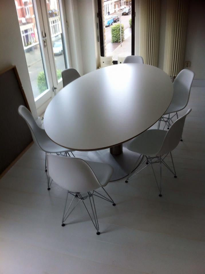 Prachtige ovale tafel