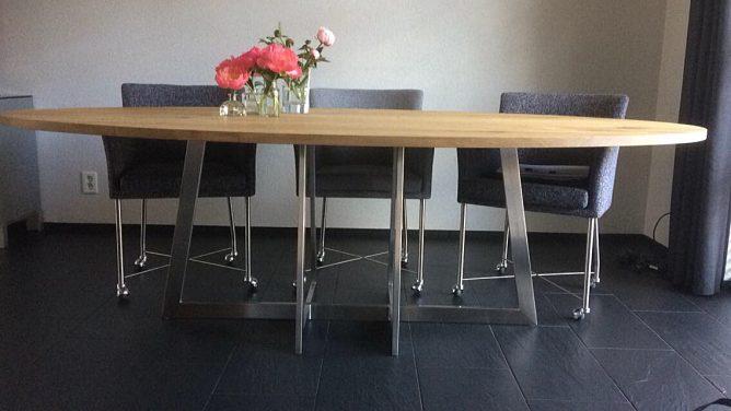 Moderne RVS ovale tafel
