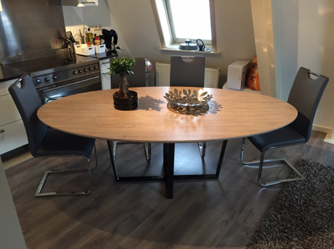 Ovale eettafel review Amsterdam