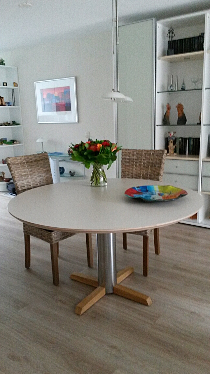 Ronde kunststof tafel