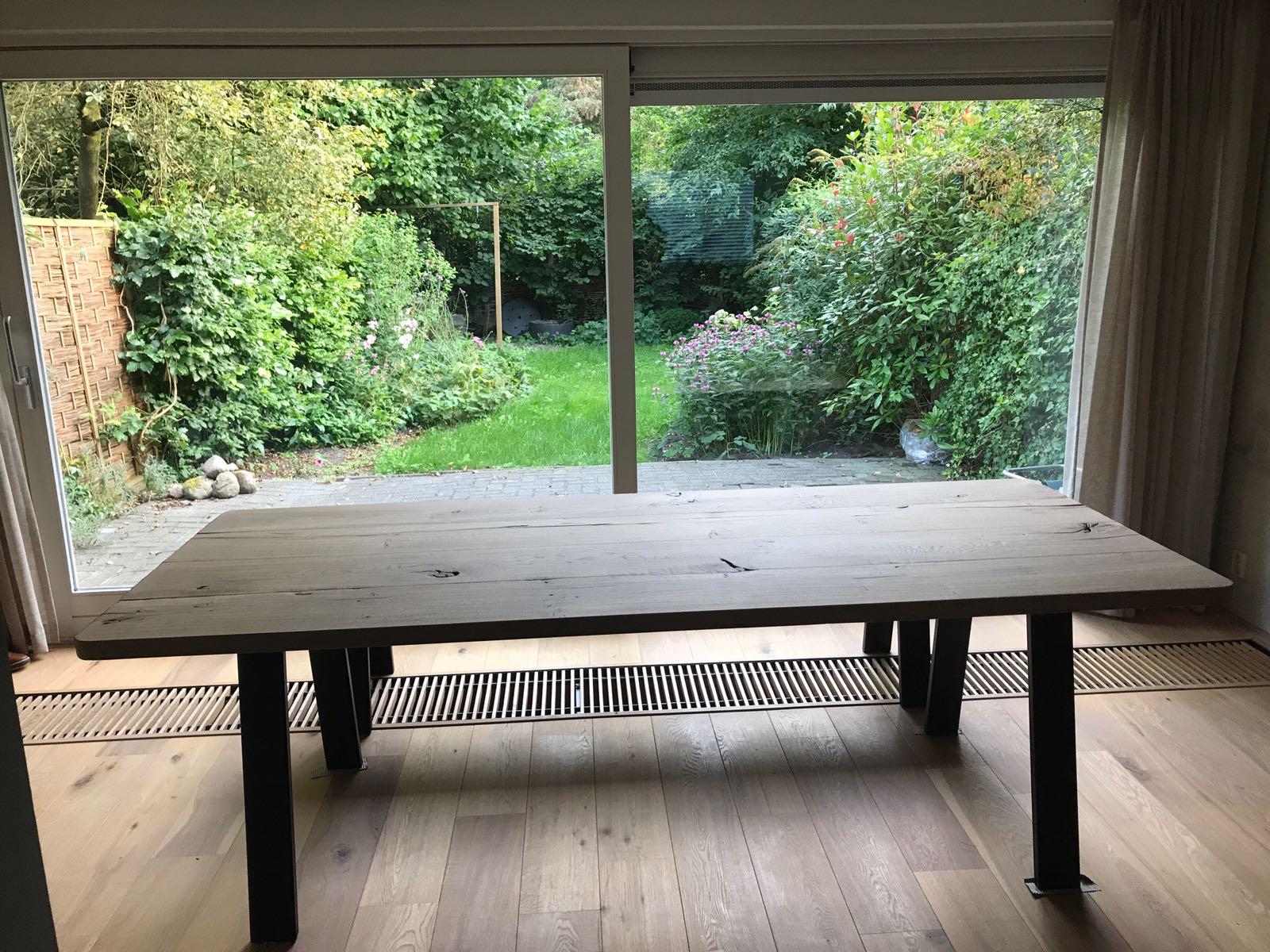 Stoere en moderne tafel