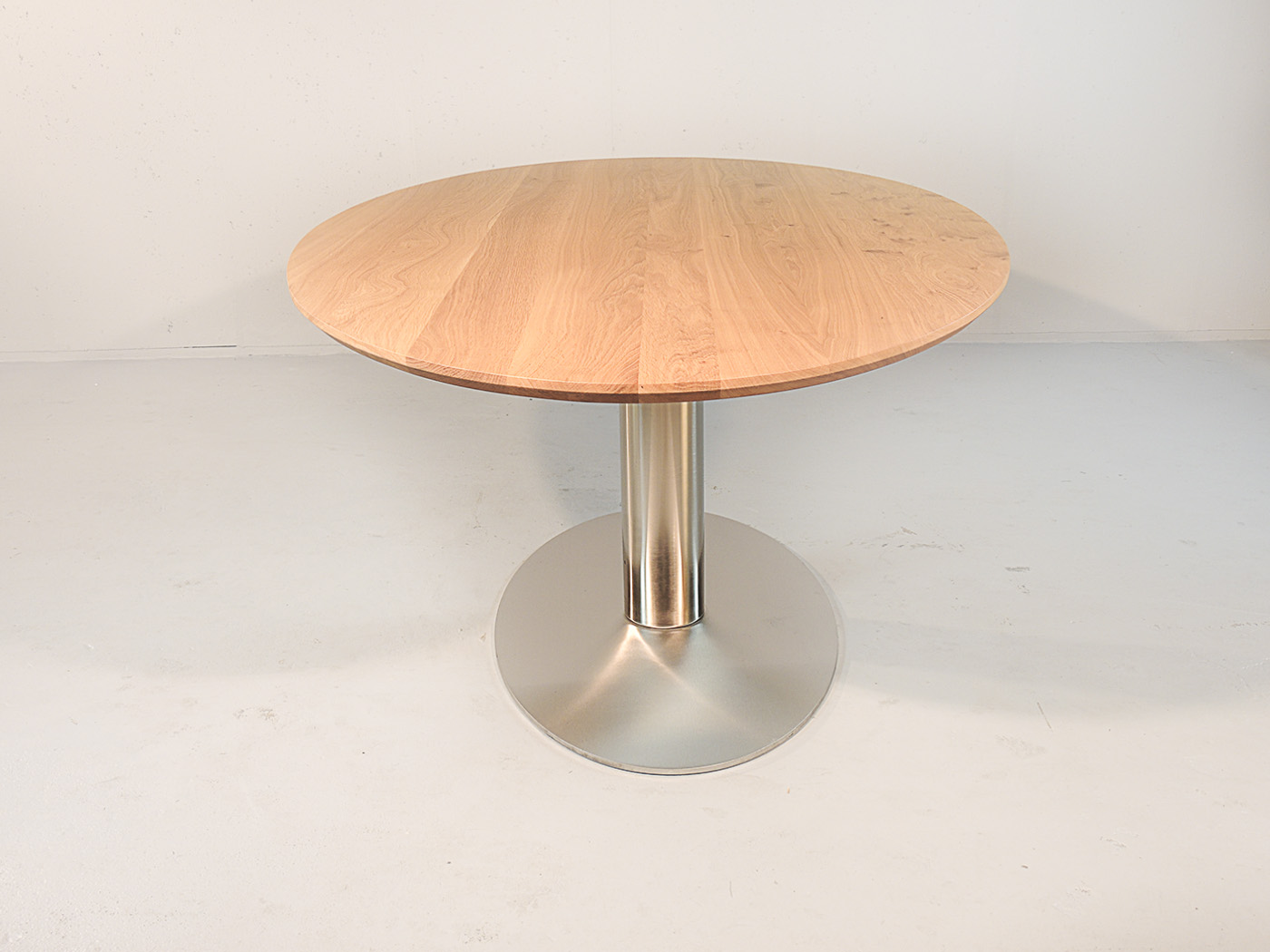 Bologna - Ovale tafel met RVS onderstel