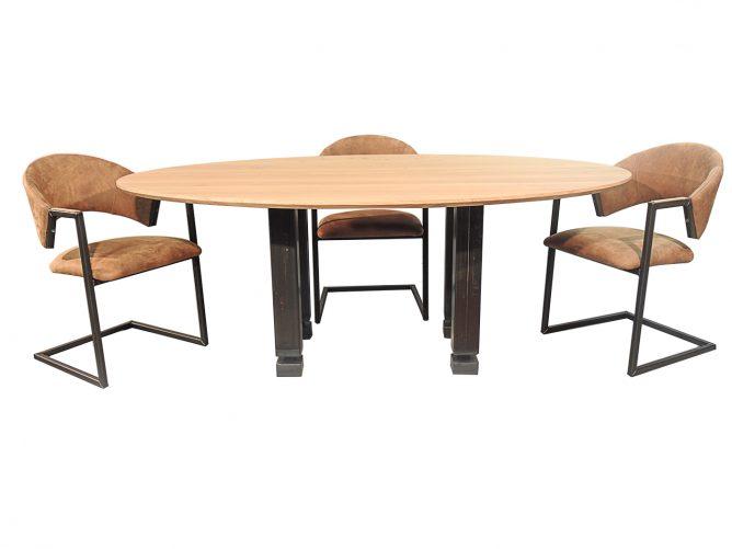 Memphis – Tafel met ijzeren tafelpoten