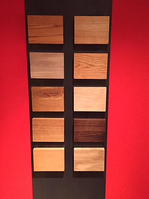Wand met houtsoorten