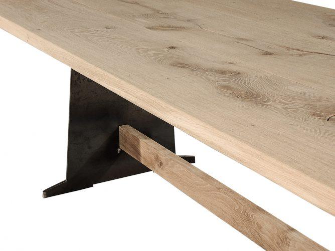 Phoenix – Stalen frame tafel