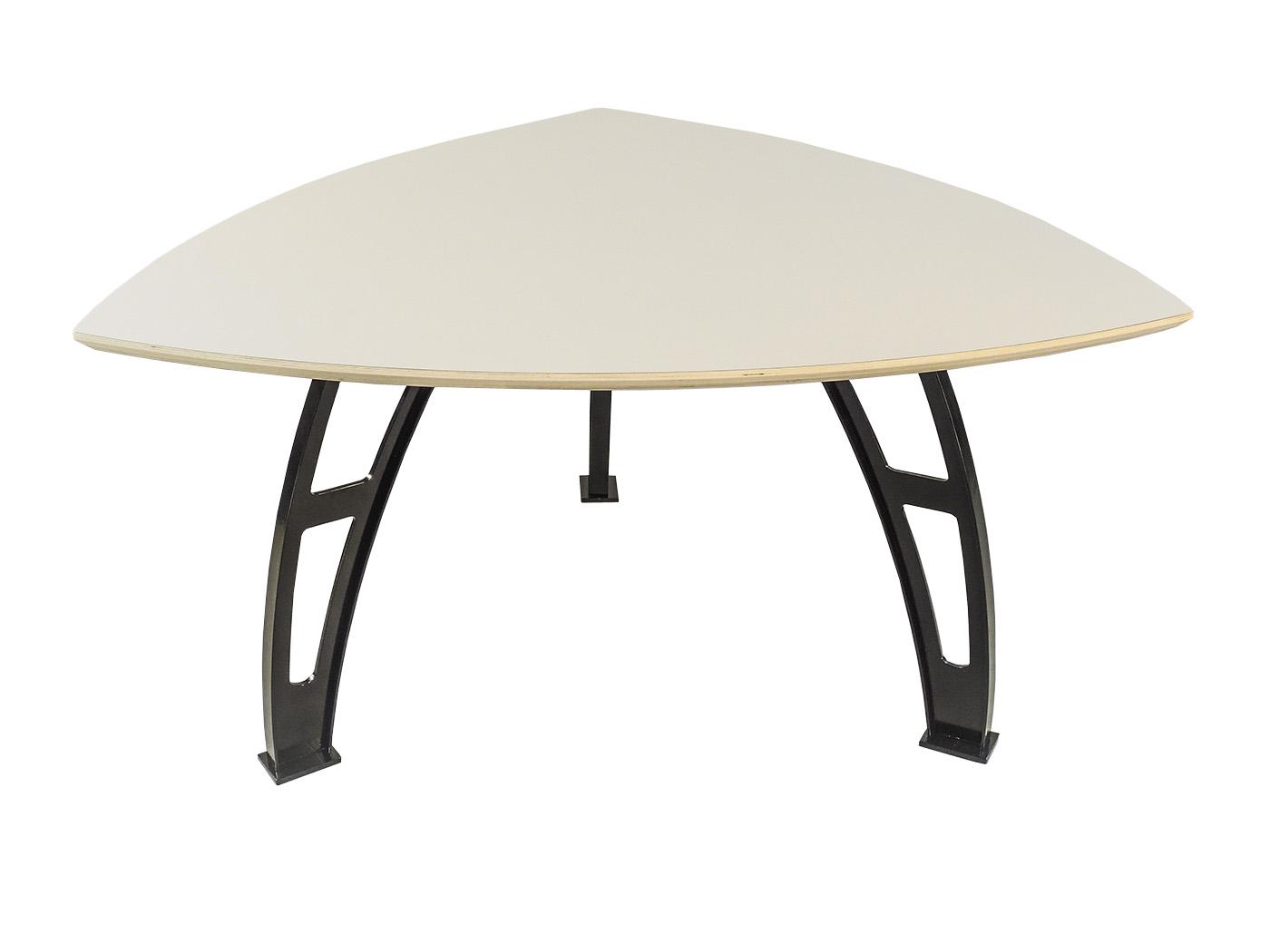 Gubbio - Driehoeks tafel