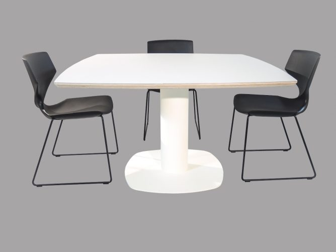 Empoli - Design eettafel