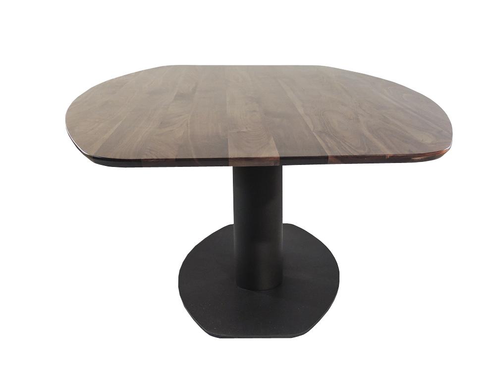 Grosseto - Ovale notenhouten tafel