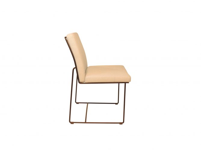 Zandro – Elegant design mat zwart