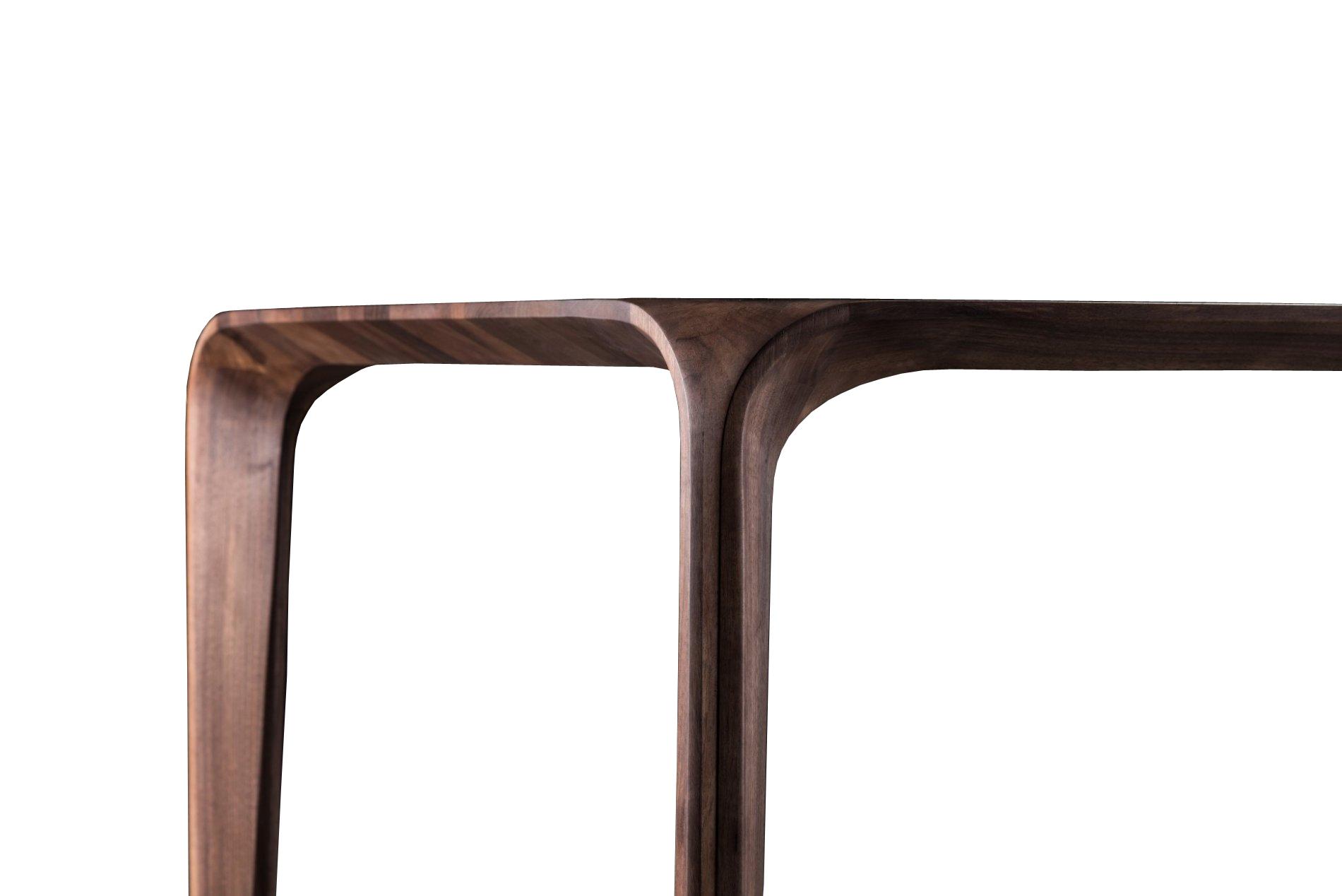 Flow - Detail notenhouten tafelpoot